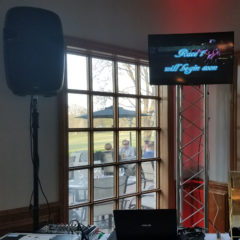 Derby-Day-Video-Display-Chicago-Event-Rentals