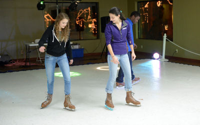Synthetic-Ice-Rink-Chicago-Party-Rental_34ac4612fe3f799e8b3286d7e11a797c