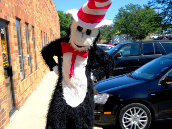 Costumed-Character-Chicago-Event-Entertainer