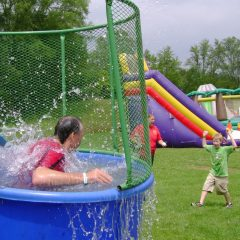 Dunk-Tank-in-action-Chicago-Rental