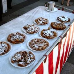 Funnel-Cakes-Chicago-Event-Catering-Fun-Foods