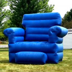 Giant-Inflatable-Chair-Photo-Station-Chicago-Rental