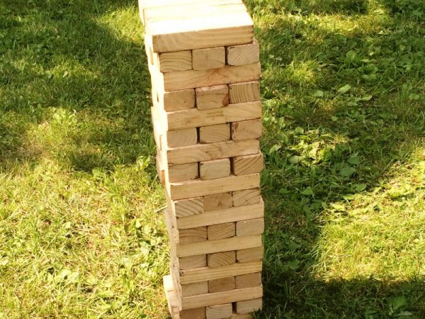 Giant-Jenga-Chicago-event-game-rentals