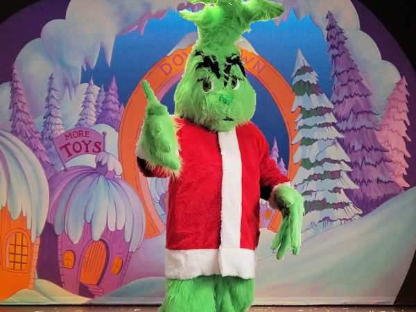 Grinch-Holiday-Characters-chicago-entertainers