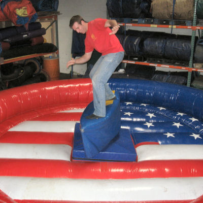 Mechanical-Surfboard-Chicago-Party-Rental_d36a857683de4f7e4f53631e003fc90e