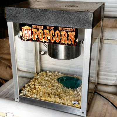 Pop-corn-machine-chicago-event-catering-fun-foods_aa7700f48828e96b998552b77fa3b38c