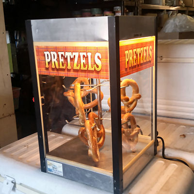 Pretzel-machine-fun-foods-chicago-event-catering-concessions