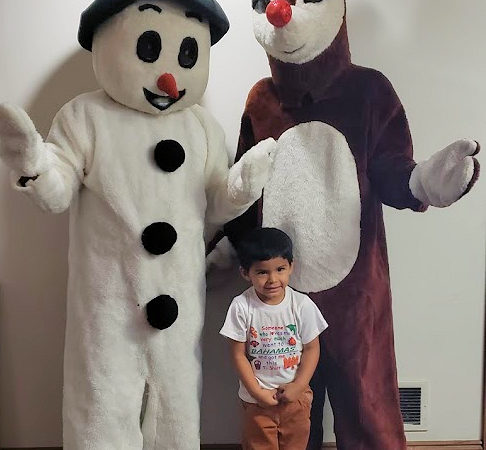 Rudolph-and-frosty-Holiday-Characters-chicago-entertainers