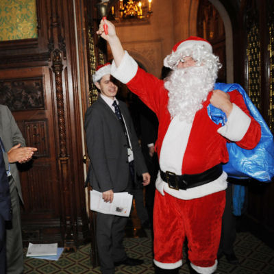 Santa-Claus-Walk-Around-Chicago-Event-Entertainment