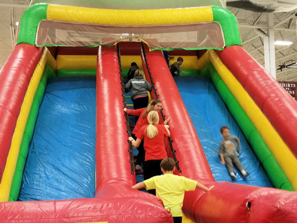 deluxe-dual-lane-giant-slide-chicago-inflatable-rentals