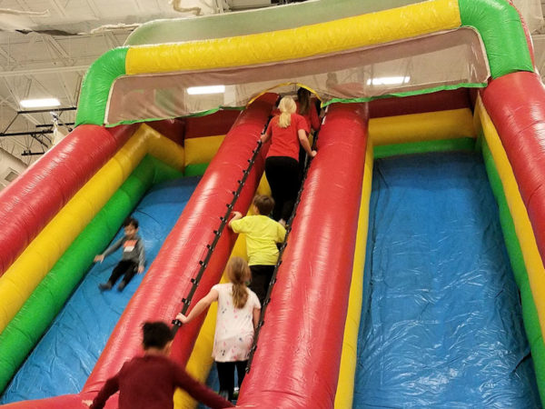 deluxe-dual-lane-giant-slide-chicago8217s-inflatables-rental